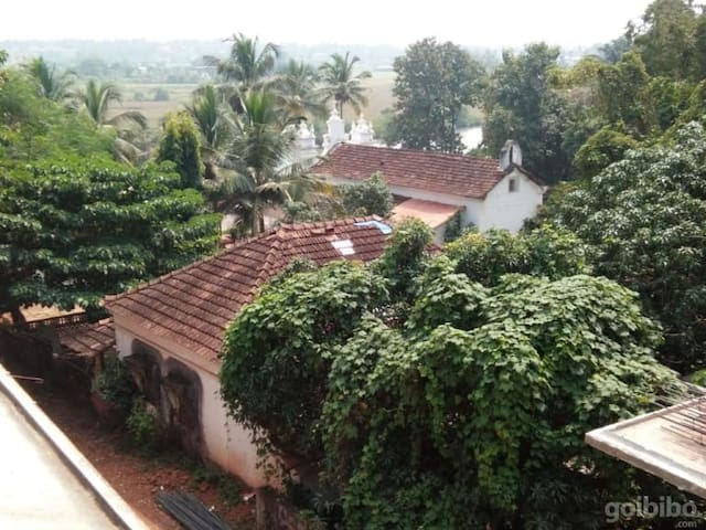 Baga beach-Private room-Goa,walking beach property