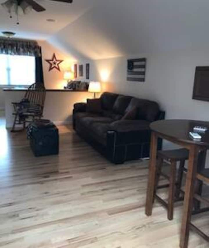 Great Garage Apartment in Franklin