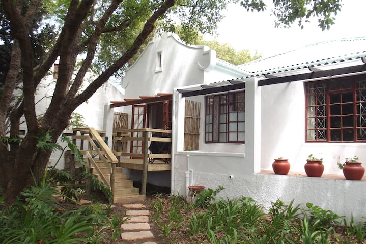 Eastcliff Garden Cottage