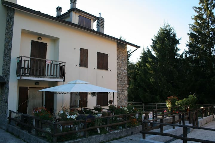 vacanze a Casa Tua - Santo Stefano d'Aveto - Apartament