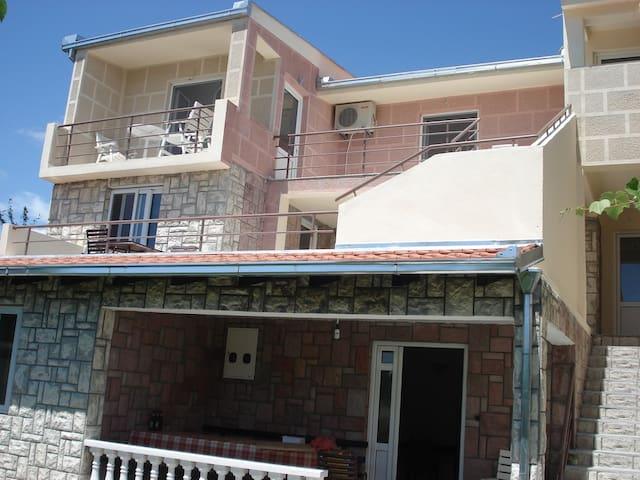 Vujosevic Apartments - Ulcinj - アパート