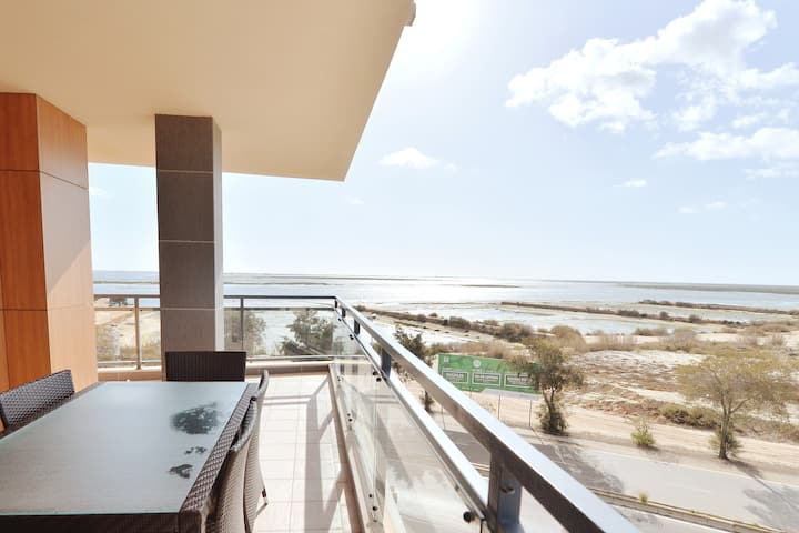 ☀️Luxury Apartment 180° OceanFront/Roof Top Pool🏖