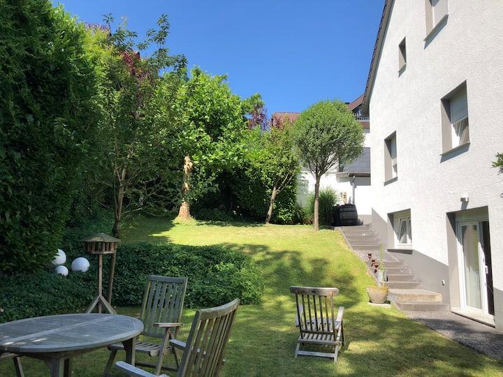 Haus mit großem Garten in der Nähe von Bonn/Rhein