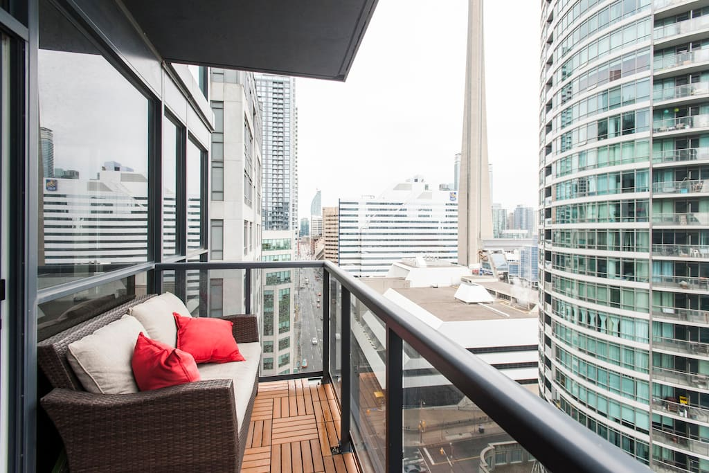 corner view downtown apartments for rent in toronto ontario canada