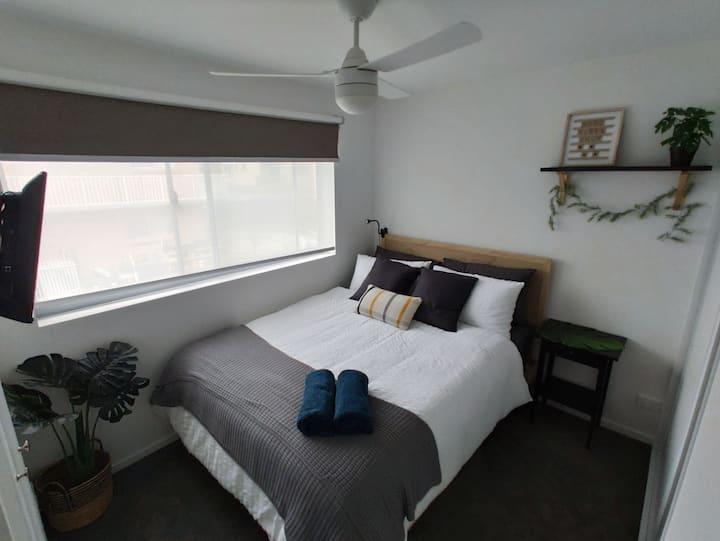 Comfy Bedroom in New Unit,  Ensuite & Parking