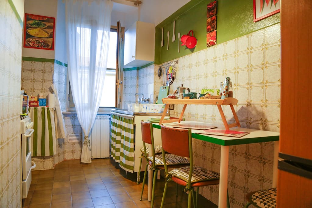 Cucina Tuscany vintage forno e frigorifero