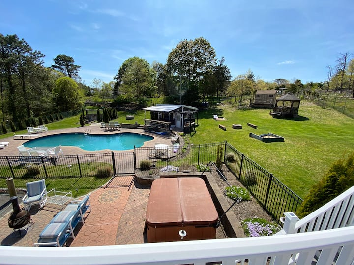 Secluded Southampton Apt | Pool | Great Location!