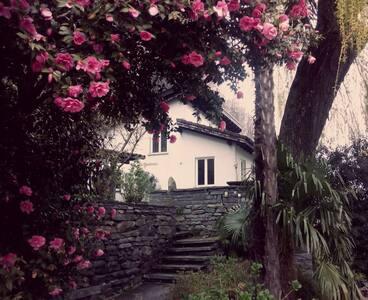 Schönes Haus mit Garten - Cavigliano - Rumah