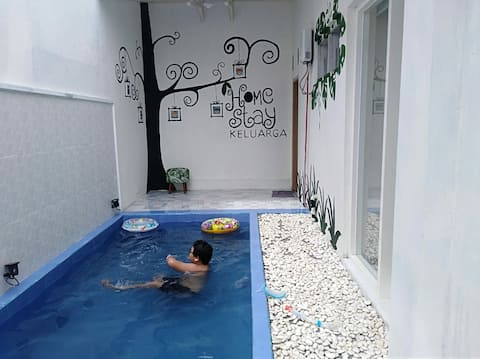 1 FAMILY HOME 250K/Night/Privatpool