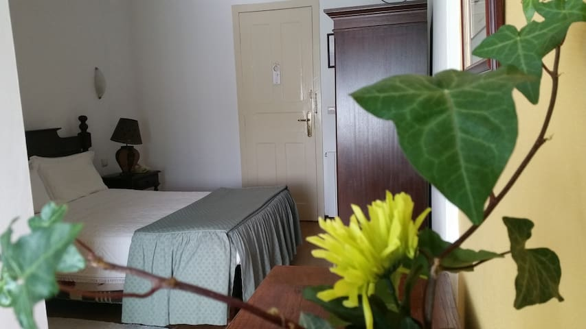 Quarto Canta Galo - Nelas - Bed & Breakfast