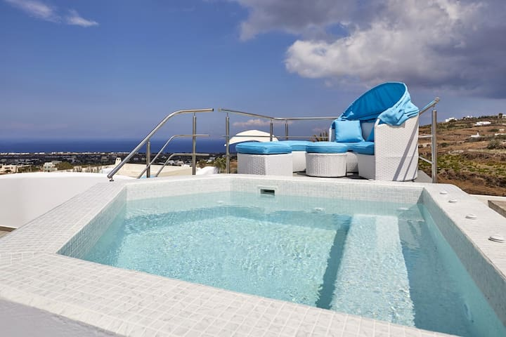 The King's Throne house with Jacuzzi & Sea view