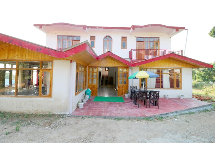 OYO - Best Offer! Classic 1BR Homestay in Shimla