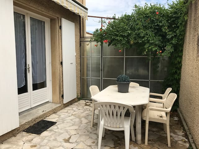Appartement & terrasse à 5 mn du centre de Valence