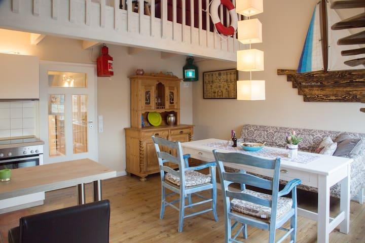 Maisonette,800m z.Strand,Pool+Sauna,Balkon+Garten - Blekendorf - Lägenhet