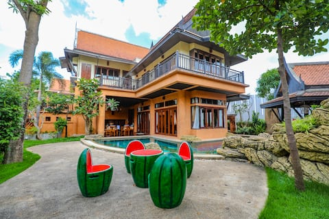 4 Bed Thaistyle BOB Pool Villa [Beach Front]