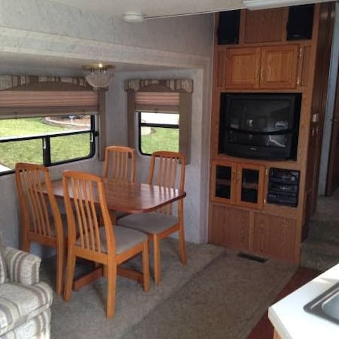 Red Bluff Fifth wheel in quiet adult park