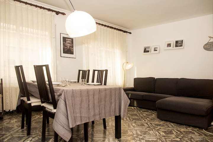 Nice Apartment in the Center, close to the beach
