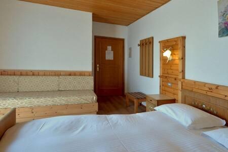 Camera comfort con balcone - Daiano - Bed & Breakfast