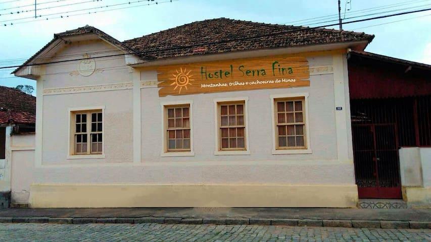 Hostel Serra Fina - Passa Quatro - บ้าน