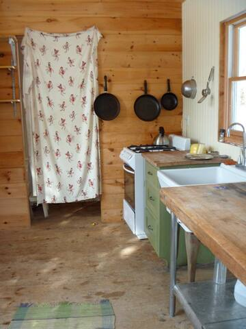 Quiet secluded yurt on working farm - Monkton - Tenda