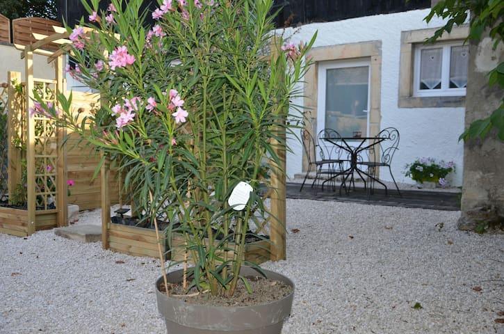 Logement Entre côte de Nuits et Beaune - Villers-la-Faye - Appartement