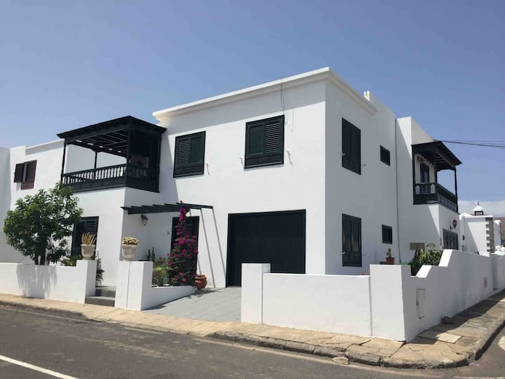 Casa Elena, SmartTV, Free Wifi, 1 min to beach