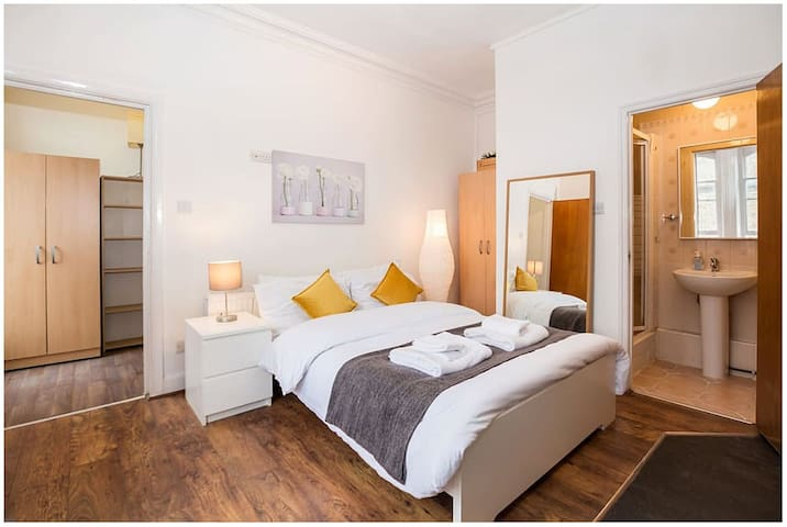 Bright Studio flat West Kensington Olympia London