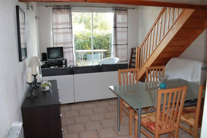 Appartement T2 entièrement  meublé - Fontvieille - Apartment