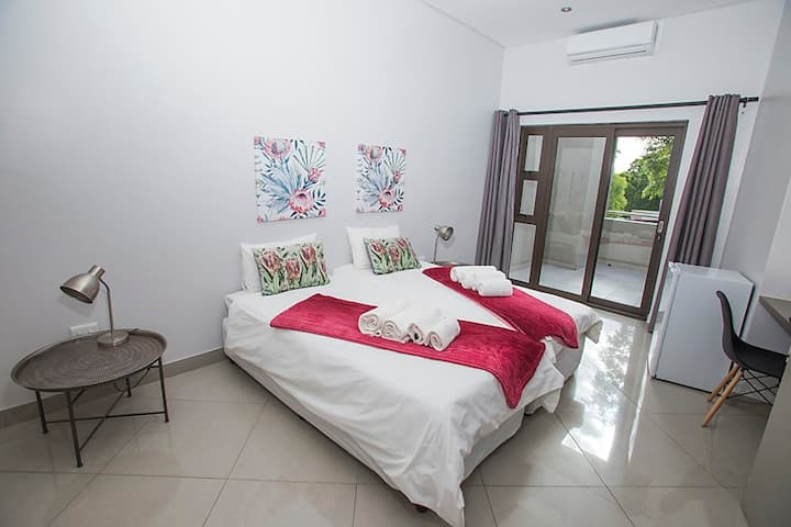 Helio Place Guesthouse 6 Room 1