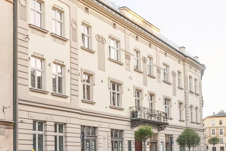 ⭐⭐⭐⭐ Design Suite • Aparthotel • Jewish District