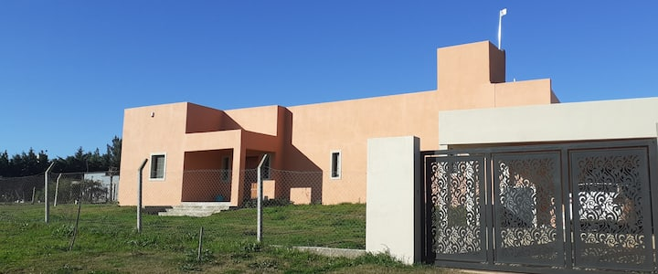 La Lupita- amplia Casa Quinta, sin pileta.