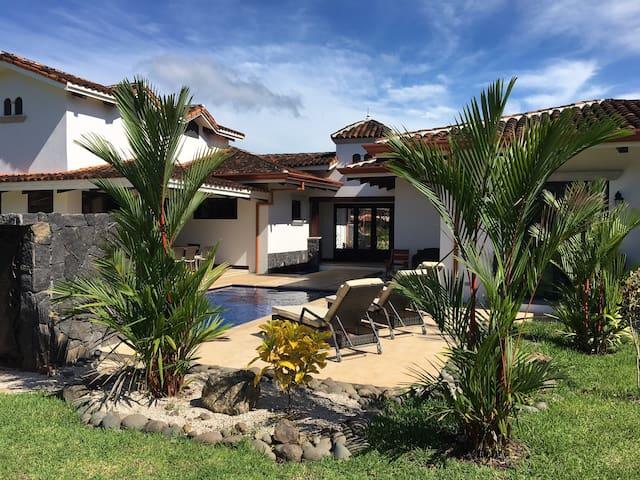 Award Winning Luxury Villa, Gated Beach Resort - Pinilla - Villa