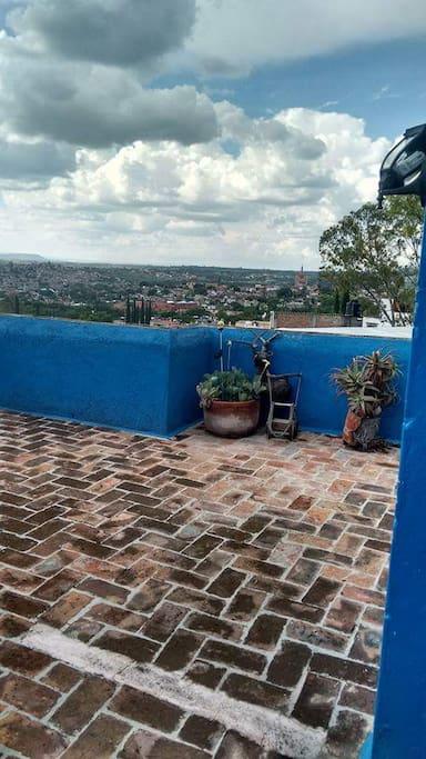 Hermosa vista en su terraza