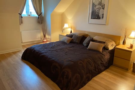 Attractive double room for rent in East Lothian