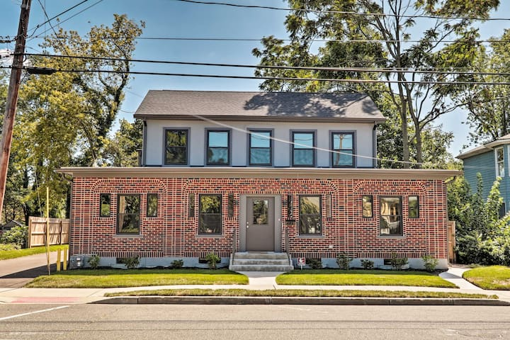 NEW! Updated Downtown Red Bank Home 5 Mi to Beach!