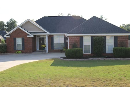 Your home away from home while at the Masters. - North Augusta - Casa