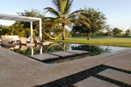 Villa Serenity - piscina y jacuzzi privados