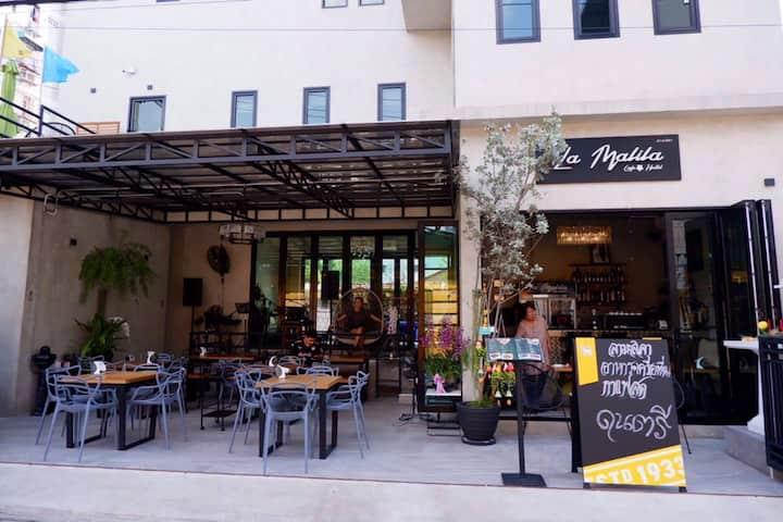 La Malila Cafe & Hostel (Room2)