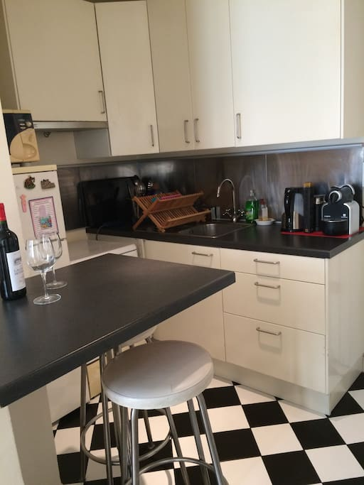 Fully equipped kitchen with Nespresso
