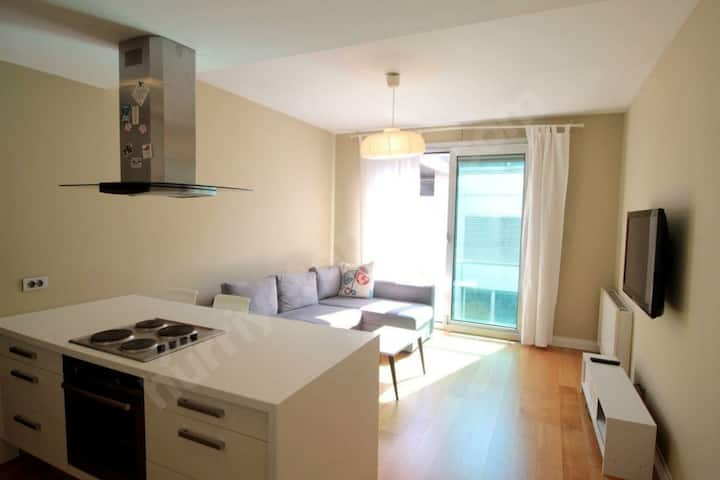 10 minutes to Taksim Square Deluxe Apartment