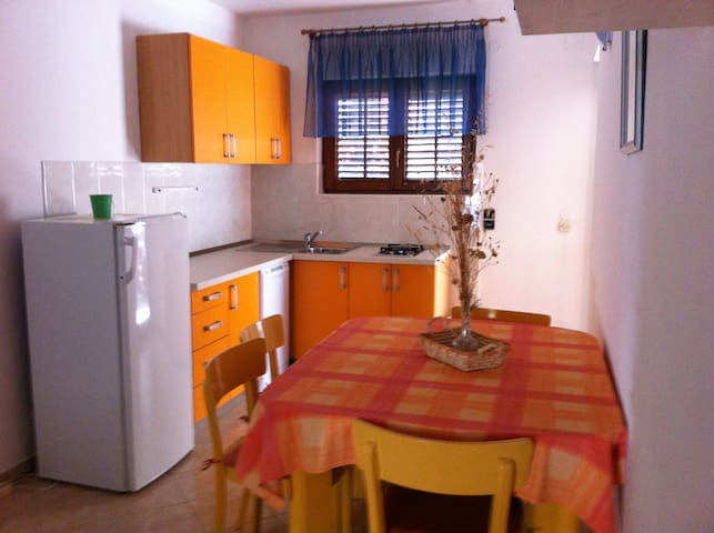 Eco apartment -exclusive location near the beach - Zavala - Leilighet