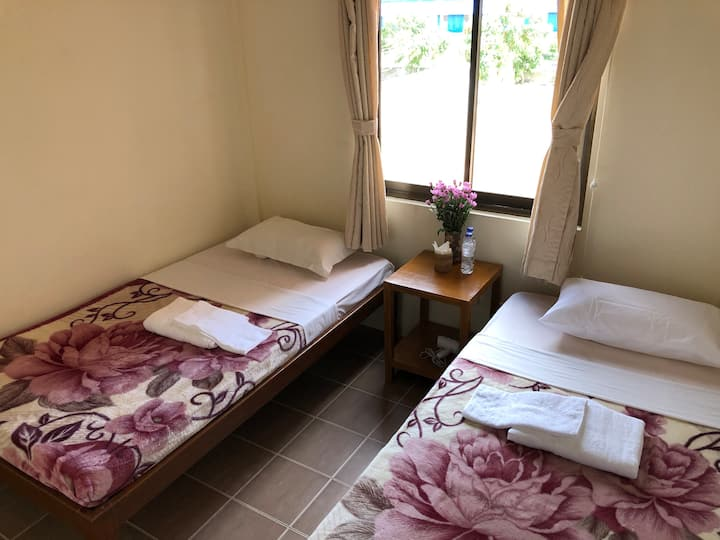 Blissful Inn, Nyaung Shwe (Twin Room, B&B)