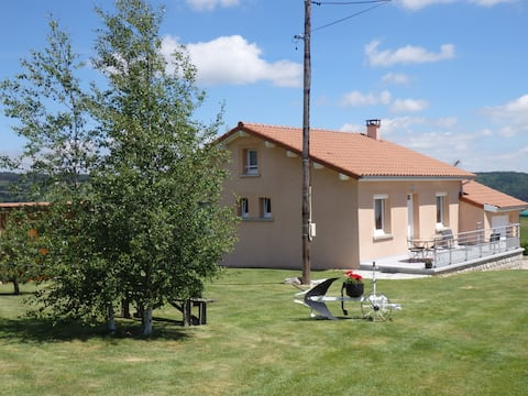 Quiet, equipped and comfortable house (Saugues)