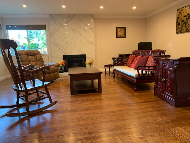Living Room. Includes office desk and chair