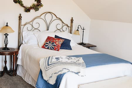 Hirsche Room in the Country Barn B&B