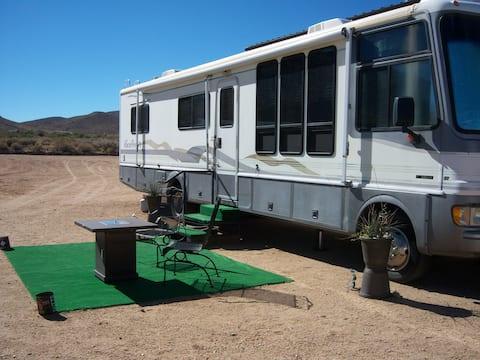 Desert Chic Living 35' (11 m) Class A Motorhome