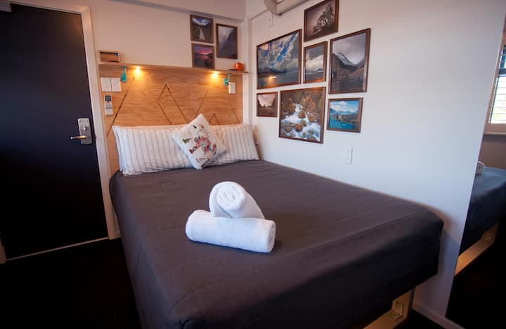 Private Double Room - Absoloot Hostel QT