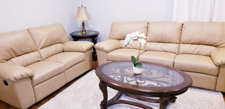 Cozy and Clean Basement apartment Airdrie