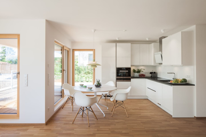Gästeapartment:Küche und Essbereich sind in den Wohnraum integriert