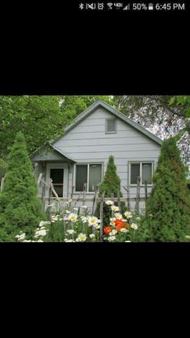 Cute tiny house to share! - Idaho Falls - Ev